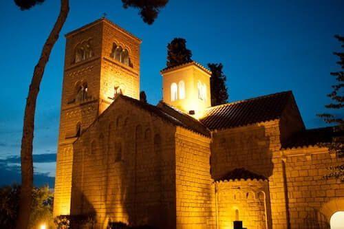 Poble Espanyol in der Nacht