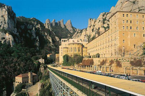 Premium Montserrat und Gaudí Tickets
