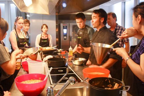 Boqueria Markt + Paella Cooking Workshop