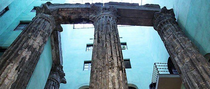 Säulen Augustus-Tempels Barcelona