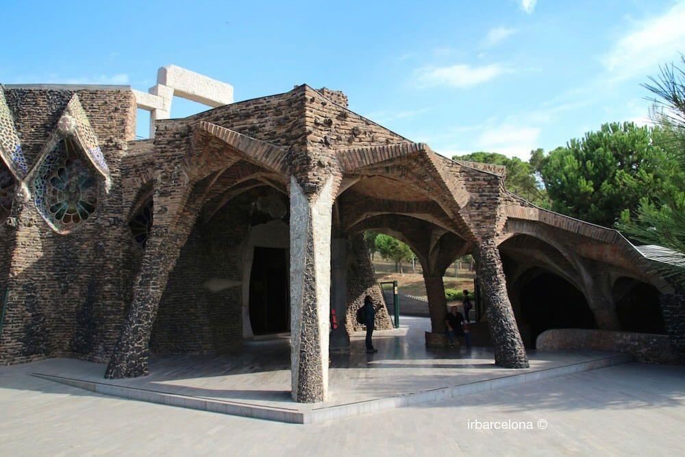 Colonia Güell, Cripta Gaudí und Catalunya en Miniatura