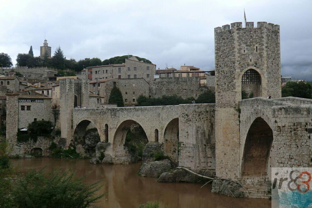 Besalú und Castellfollit de la Roca