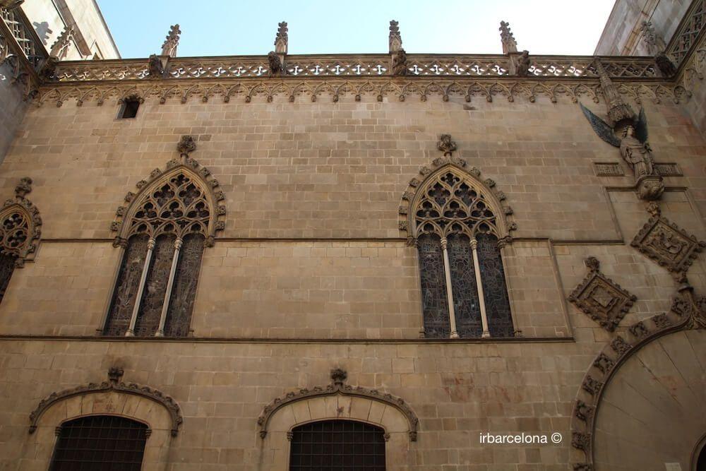 Seitenfassade Rathaus