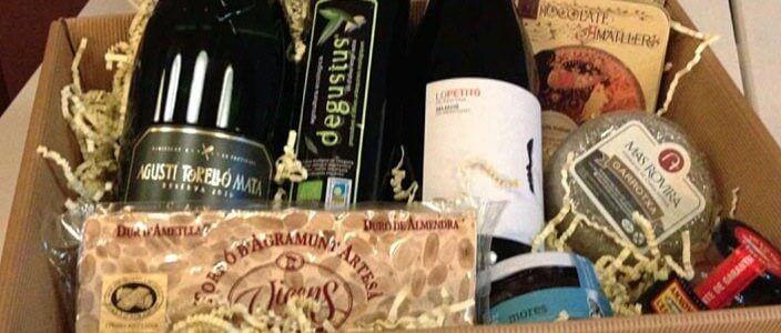 Verlosung eines Weihnachtskorbs mit Gourmetprodukten aus Katalonien