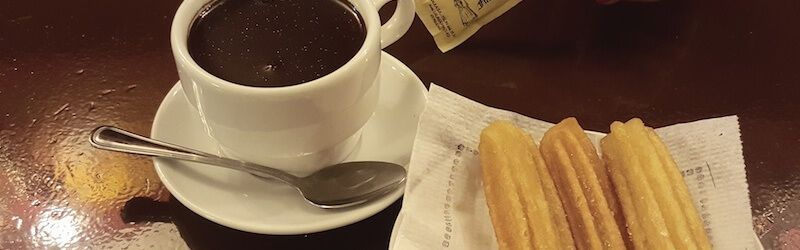 Churros mit heißer Schokolade